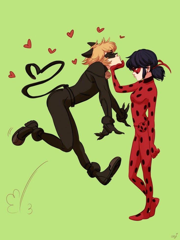 Dessins d'amour entre Lady Bug et Chat Noir