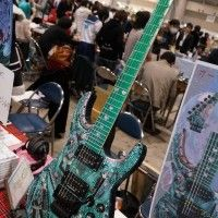 Fan de guitare customisée Hatsune Miku