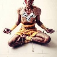 Cosplay flippant de Dhalsim Street Fighter