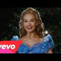 Lily James chante A Dream is a Wish Your Heart Makes du film #Cendrillon @DisneyFR