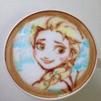 Café latte art Elsa La Reine Des Neiges