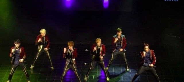 Extrait du Concert des Teen Top au Trianon à  Paris 2013